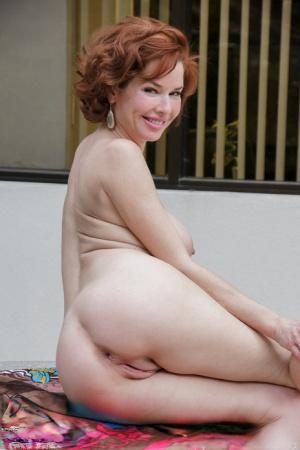 Mature Naked Ass Pics