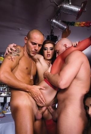 Naked Ass DP Pics