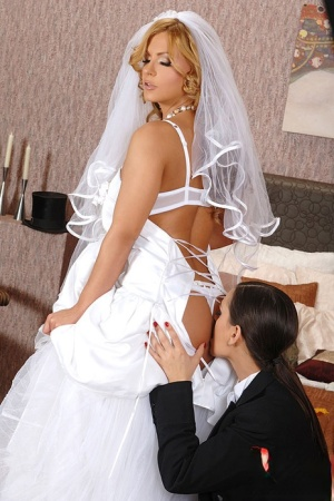 Naked Bride Ass Pics